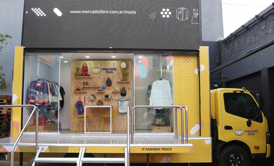 "Mercado Libre presentó el ""IT Fashion Truck"""