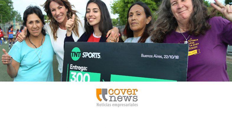 TNT SPORTS donó pelotas de fútbol a equipos de la Liga de Fútbol Femenino Nosotras Jugamos